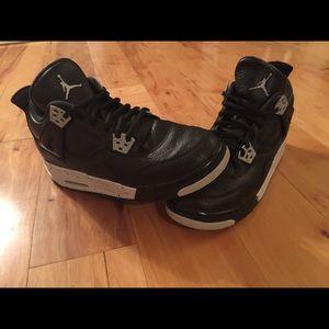 Nike Air Jordan IV 4 Retro Black GS  Size 7Y